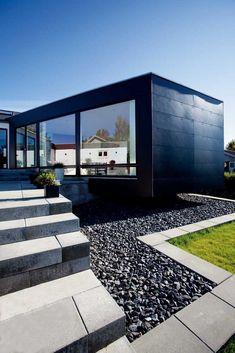 Når vi nu var i gang . Black Cladding, Rooftop Pool, Amazing Buildings, Building Facade, Aarhus, Facade House, Cool Walls, Modern Architecture, Outdoor Spaces