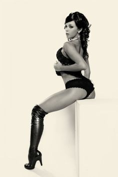 Hot girls in boots (Part 2) hot pic