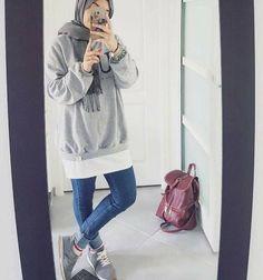 Hoodies and oversized sweaters with hijab – Just Trendy Girls Hijab Casual, Hijab Style, Hijab Chic, Modern Hijab Fashion, Muslim Fashion, Teen Fashion, Outfits For Teens, Trendy Outfits, Girl Outfits