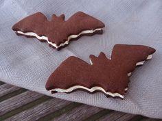Rezept für die Halloween-Party: Oreo-Fledermäuse mit Geheimzutat: www.rheintopf.com (http://wp.me/p2ZnwT-9r)