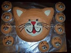 Cat Birthday Cake Picture - love the idea of a cat cake and kitten cupcakes Birthday Cake For Cat, Birthday Cake Pictures, Cool Birthday Cakes, Birthday Ideas, Birthday Bash, Kitty Party, Cake Pops, Gotcha Day, Diy Cake