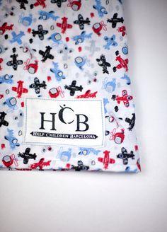 Producido aqui en Catalunya  http://www.helpchildrenbcn.com/product/prenda-nina-hcb-fantasia-azul-2-3-anos/
