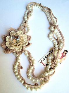 """collana uncinetto e perle """"Fiori di cotone"""" - Il salotto creativo di Cinzia"""