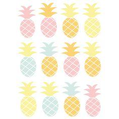 Cet été, votre décoration sera fruitée ! On craque pour cette frise ananas graphique aux couleurs rose, orange et jaune. Facile à installer sur un meuble ou bien un mur, cette frise composée de 12 stickers apportera une touche douce et acidulée à la pièce. On l'aime tout autant dans une chambre de fille que de bébé. Format de la planche : 120 x 20 cm