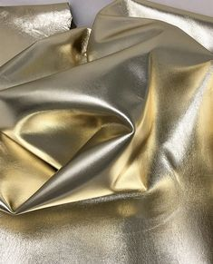 Pellame italiano laminato e bottalato color platino, pelle morbida A3941-MT La Garzarara Job 1, Outlet, Etsy, Ideas, World, Thoughts