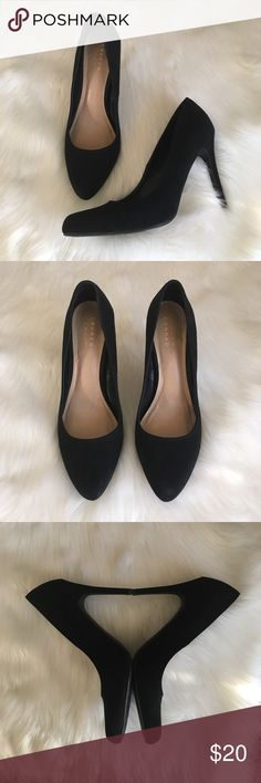 "Lauren Conrad Black Suede Pumps - Sz 9.5 Classic black pumps with faux suede finish from Lauren Conrad in EUC! See photos for some minor wear on back of right heel and inner right toe. Heel measures about 4.25"". Textile/Manmade materials. Questions welcome! LC Lauren Conrad Shoes Heels"