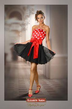 13-156 piros fehér pöttyös felső, fekete tüll szoknyás,menyecske ruha