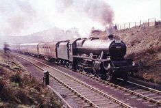 45622 Nyasaland Diesel Locomotive, Steam Locomotive, Steam Trains Uk, Steam Railway, British Rail, Great Western, Autumn Photography, Steam Engine, Abandoned Places