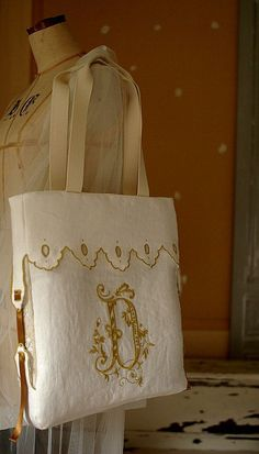 small articles , My handmade Sewing Case, Totes, Burlap, Reusable Tote Bags, Fancy, Handbags, Embroidery, Purses, Pretty
