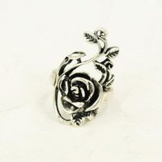 Retro Exquisite Style Rose Shape Twig Embellished Finger Ring For Women