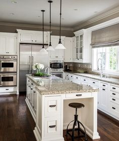 I used to want a dark granite countertop. Pinterest is convincing me otherwise.  Pic from Houzz app