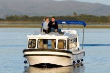 Houseboats - Try out our houseboat rentals, which are affiliated to the famous Lightlys Houseboat. Ideal for outdoor enthusiasts who wish to laze, birdwatch or fish on the serene Maguga Dam. Bookings are essential. Houseboat Rentals, Knysna, Bungee Jumping, Deep Sea Fishing, Houseboats, Adventure Activities, Small Boats, Places Of Interest, Outdoor Activities