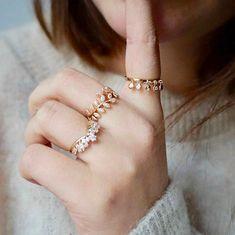 Waekura bijoux - Bracelets plaqué or 18 carats délicats et fins Plaque, Latest Trends, Bracelets, Store, Rings, Accessories, Jewelry, Pretty Engagement Rings, Silver