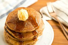 With just a few additions to your fave pancake batter, these fluffy and seasonally flavored pancakes make everyone's morning more festive. Christmas Morning Breakfast, What's For Breakfast, Breakfast Pancakes, Breakfast Items, Pancakes And Waffles, Breakfast Recipes, New Dessert Recipe, Dessert Recipes, Gingerbread Pancakes