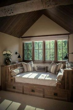 51 Fabulous Rustic Window Nook Ideas There is a broad selection of window decorating projects to pick from. Everyone can draw house plans, and it's an enjoyable approach to dream about your upcoming residence or addition. Home Design, Interior Design, Design Ideas, Rustic Bedroom Design, Rustic House Design, Attic Renovation, Attic Remodel, Attic Rooms, Attic Spaces