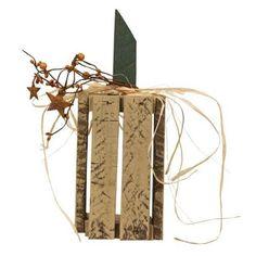 Primitive Fall, Primitive Crafts, Fall Wood Projects, Thanksgiving Decorations, Fall Decorations, Pumpkin Garden, Wooden Pumpkins, Metal Stars, Pallet Crafts
