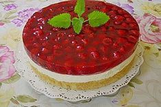Frische Himbeertorte mit Schmand Fresh raspberry cake with sour cream from BärbelW Authentic Mexican Desserts, Cupcakes Amor, Easy Homemade Burgers, Chocolate Tres Leches Cake, Sour Cream Cake, Light Cakes, Mexican Chocolate, Milk Cake, Raspberry Cake