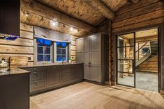 I absolutely appreciate this color for this Cabin Interior Design, Chalet Interior, House Design, Timber Cabin, Home Alone, Wooden House, Log Homes, Ramen, Home Goods