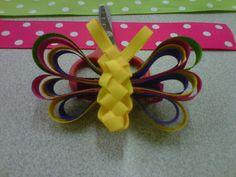 Mariposa hecha con cinta.