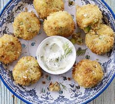 Lovely crab cake recipe - crab cakes with dill mayonnaise