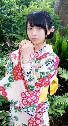 Hot Japanese Girls, Beautiful Japanese Girl, Japanese Beauty, Asian Beauty, Kimono Japan, Japanese Kimono, Japanese Costume, Oriental, Japan Girl