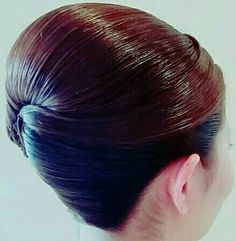 how-to-do-hair-in-a-classic-french-twist - Fab New Hairstyle 2 Sleek Hairstyles, Vintage Hairstyles, Braided Hairstyles, Long Layered Hair, Long Hair Cuts, Long Hair Styles, Tousled Hair, How To Draw Hair, Hairspray