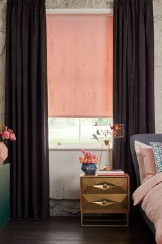 Emily used the Somma Blush Roller blind from our new collection. Golden leaf trails cascading over a rose pink background provide the perfect starting point for this urban luxe look #ILOVETHATSTYLE
