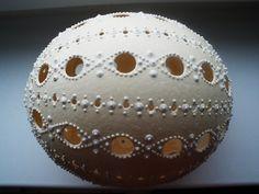 Kraslice všetkých veľkostí,kamienky,fotokoláže a iné . - Fotoalbum - Kraslice pštrosie - Kraslice pštrosie. Eastern Eggs, Carved Eggs, Egg Art, Ornaments Design, Egg Decorating, Sugar Art, Carving, Handmade, Eggs