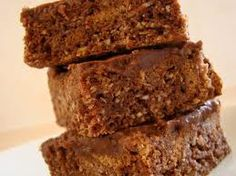 1 cup weetbix, cornflakes, milo flakes (breadfast cereal) or rolled oats 1 cup self raising flour 1 cup coconut cup sugar 1 heaped dessertspoon cocoa 6 oz butter 1 teaspoon vanilla essence Melt butter and add to dry ingredients. Chocolate Weetbix Slice, Chocolate Crunch, Chocolate Icing, Sweets Recipes, Real Food Recipes, Baking Recipes, Desserts, Crumb Recipe, Slice Recipe