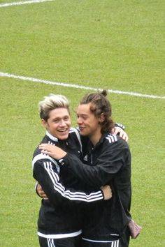 One Direction, Soccer, Boys, Sports, Wall Photos, Niall Horan, Fashion, Toddler Girls, Room