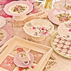 Would you like a cup of tea? #floral #pink #romantic kitchenware www.inart.com Kitchenware, Tea Cups, Household, Objects, Tray, Romantic, Collections, Floral, Pink
