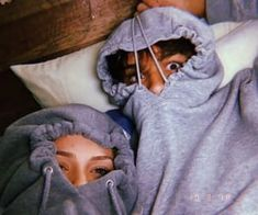 40 Couple goals Pics & bucket list for 2019 that'll make you believe in fairy tales Couple Goals is the buzzword in the world today. Single or in a relationship these Couple Goals Pics of 2019 will help you set major relationship goals. Cute Couples Photos, Cute Couples Goals, Cute Photos, Cute Couple Selfies, Funny Couple Pictures, Silly Couple Pictures, Funny Photos, Cute Couple Things, Goofy Couples