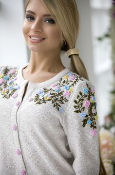 Elegant textured knitted suit Rococo deuce jacket