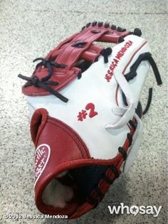 Check out Jessica Mendoza's new Louisville Slugger glove that she's going to be breaking in this weekend! Softball Bats, Girls Softball, Softball Players, Fastpitch Softball, Baseball, Jessica Mendoza, Louisville Slugger, Blue And White, Navy Blue