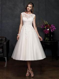 A-Line Princess Short Sleeves Scoop Satin Applique Tea-Length Wedding  Dresses. Svatební ŠatySvatební ... 57c6ef8c16