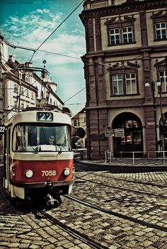 The most frequent Prague tram number 22 | http://www.iconhotel.eu/cs/contact/map