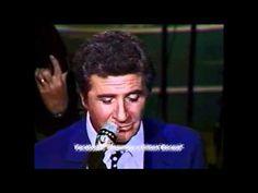 """Gilbert Bécaud chante """"Et maintenant"""" lors de l'émission de Michel Drucker « Champs-Élysées » en direct depuis l'Olympia à Paris en 1987."""