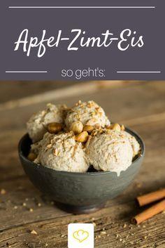 Du liebst Bratäpfel? Dann musst du dieses Eis probieren! Apfel, Zimt und geröstete Nüsse machen es zu einem Wintertraum!