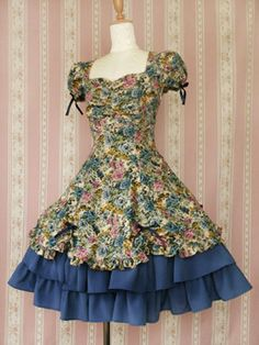 This Victorian Maiden dress has the lovely Classic Lolita shape, but is wonderfully brightly colored and poppy. Dance Outfits, Dance Dresses, Dress Outfits, Girls Dresses, Cute Outfits, Kawaii Fashion, Lolita Fashion, Girl Fashion, Vintage Dresses