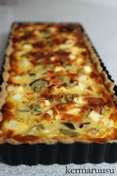 Kermaruusu: Suolainen piirakka Lasagna, Beef Recipes, Quiche, Food And Drink, Pizza, Bread, Cheese, Baking, Dinner