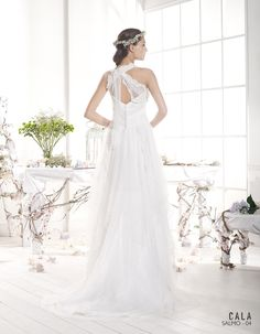 SALMO | Bohemian Wedding Dress | 2015 Cala Collection | by Sara Villaverde | Villais (back)