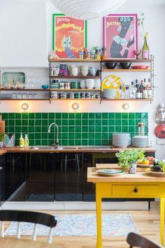 A Vibrant Fun Place To Live Colorful Modern Apartment interior design 5 - Add Modern To Your Life Retro Home Decor, Home Decor Kitchen, Cheap Home Decor, Home Kitchens, Kitchen Ideas, Kitchen Trends, Kitchen Hacks, Apartment Interior Design, Interior Design Kitchen