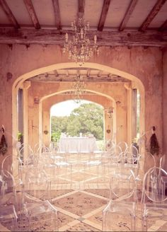 Awesome ghost chairs and outdoor ceremony Perfect Wedding, Dream Wedding, Wedding Day, Wedding Beauty, Decoration Inspiration, Wedding Inspiration, Decor Ideas, Wedding Ceremony, Wedding Venues