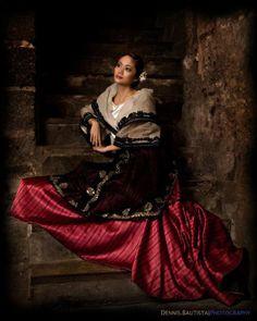 Baro't Saya - Maria Clara dress. The Baro't Saya is a traditional Filipino blouse and skirt for women. Modern Filipiniana Dress, Filipiniana Wedding, Filipino Art, Filipino Culture, Traditional Fashion, Traditional Dresses, Traditional Fabric, Maria Clara Dress Philippines, Philippines Dress
