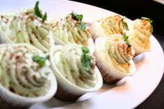 jaja's #lowcarb peppermint Cup Cakes Cup Cakes, Peppermint, Spaghetti, Low Carb, Ethnic Recipes, Food, Haha, Mint, Cupcakes