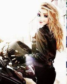 On her motorcycle. Disney Princess Fashion, Disney Princess Frozen, Disney Princess Drawings, Disney Princess Pictures, Elsa Moderna, Gothic Disney Princesses, People With Big Eyes, Princesse Disney Swag, Modern Day Disney
