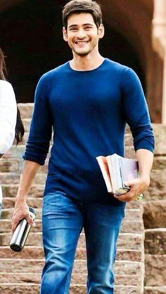I love this smil e. Mahesh Babu Wallpapers, Telugu Hero, Surya Actor, Mens Casual Suits, Handsome Celebrities, Galaxy Pictures, Actors Images, Boy Models, South India
