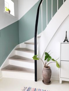 Our simple stair renovation with a decor list. Fairly fast and fairly budget-free . - Our simple stair renovation with a decor list. Fairly fast and reasonably budget-friendly … – friendly list Decoration Cage Escalier, Interior Bohemio, Stair Renovation, Hallway Colours, Flur Design, Stair Makeover, Hallway Designs, Hallway Ideas, House Stairs