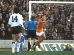 Holland 2 West Germany 2 in 1978 in Cordoba. Rene van de Kerkhof scores on 84 minutes and its 2-2 in Round 2, Group B at the World Cup Finals.