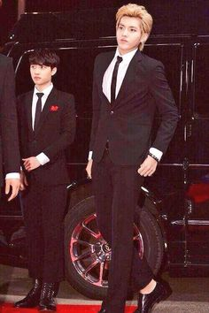 do you know how hard it is for me to try and not laugh when i see kyungsoo beside kris?